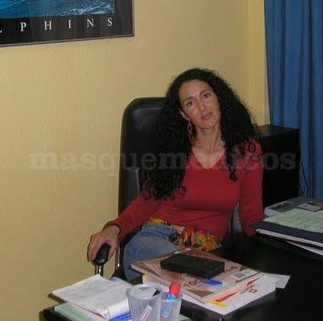 Inmaculada Remesal en su despacho - aAbBcC Psicología Infantil y Adolescentes