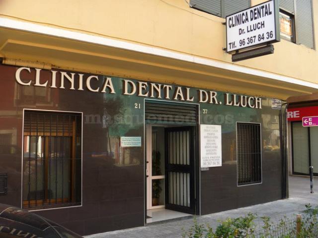 fachada - Clínica Dental Doctor Lluch