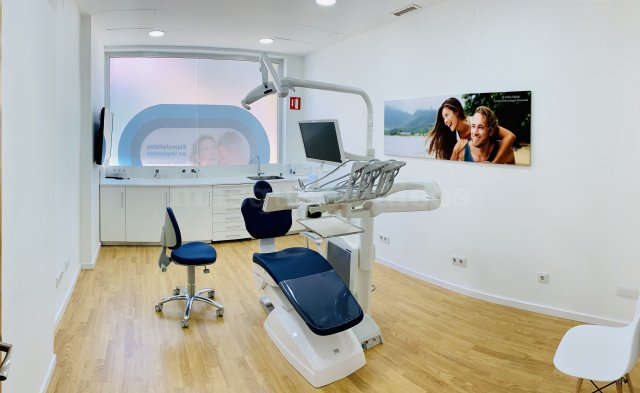 Gabinete 3  - Cirugia - Clínica Dental Freitas