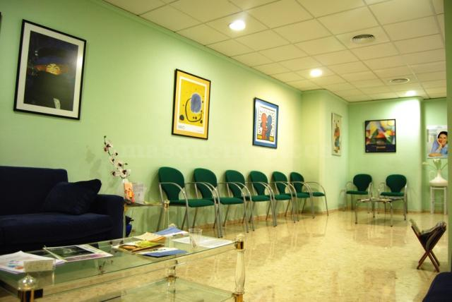 Clinica Aragon Medica Xuquer - Sala de Espera - Salvador Aragón Marín