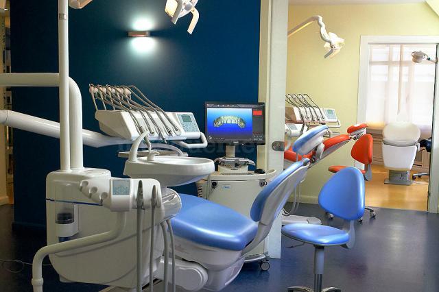 - Ortoinvisible, Centro de Ortodoncia
