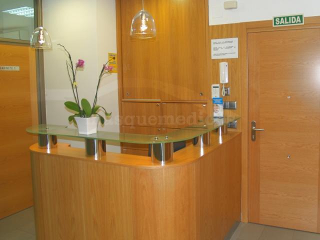 - Centro Implantológico Salud y Estética Dental