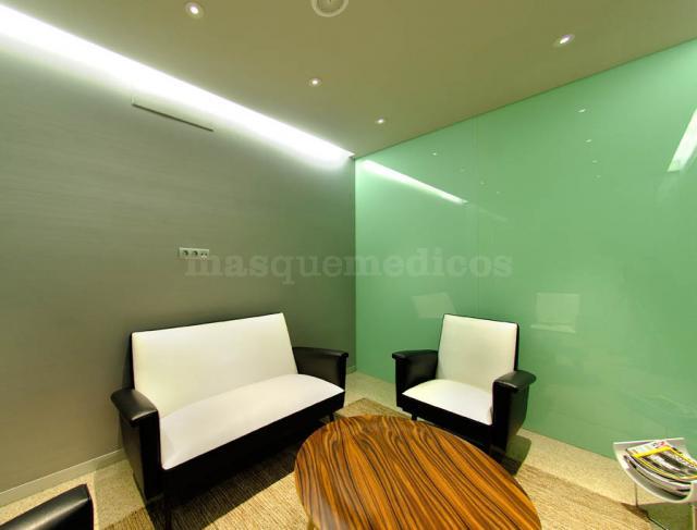 Sala de espera - Instituto Médico Odontológico Guitián