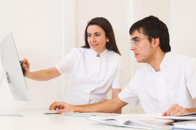 Trabajo en equipo - Pérez & Gavín Dermatólogos