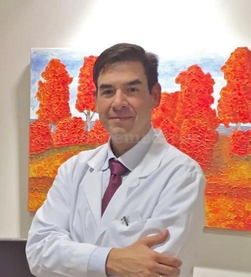 Dr. Carlos Müller - Clínica Vida