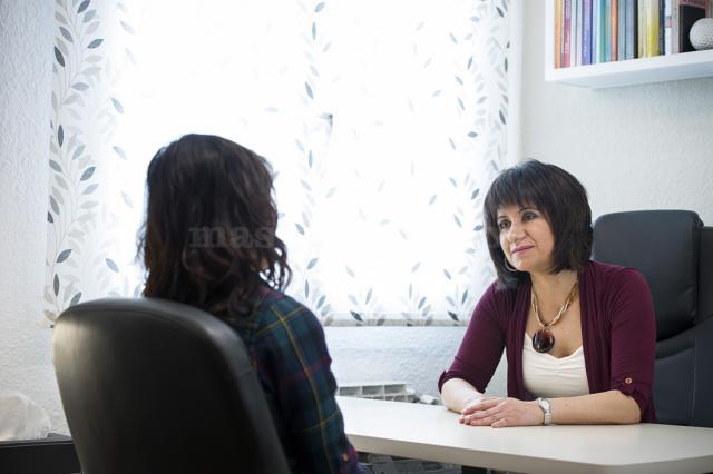 Elena Subijana en consulta - Elena Subijana