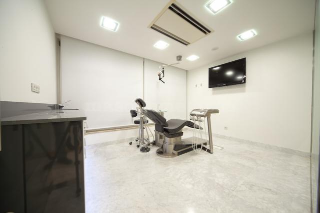Esteban cast n cl nica dental dentista en zaragoza - Clinica dental caser ...