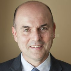 Dr. Sergio Oliveros Calvo