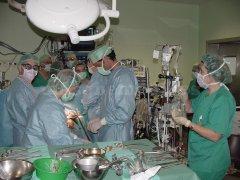 Apoyo quirúrgico - Dr. Fernando Cabrera