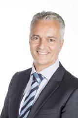 Jose M Rapariz